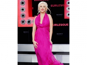 Christina Aguilera to Open Grammy Awards 2011