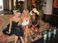Girls In Hawaii